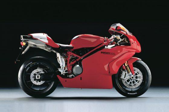 Non, la Ducati 999 n'est pas moche
