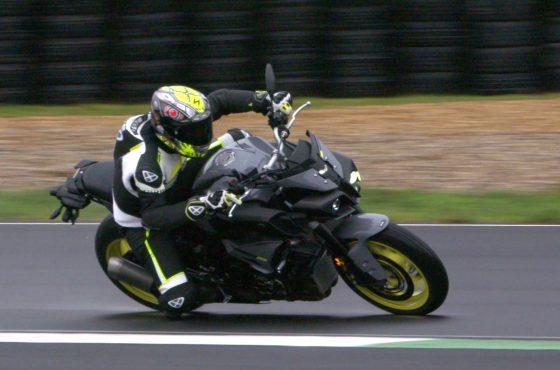 La Yamaha MT-10 fait ce que je veux (donc je l'aime)