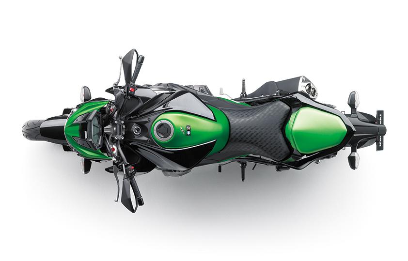 Kawasaki-Z800-haut