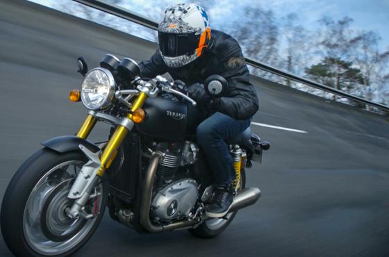 Triumph Thruxton R : La fausse moto ancienne